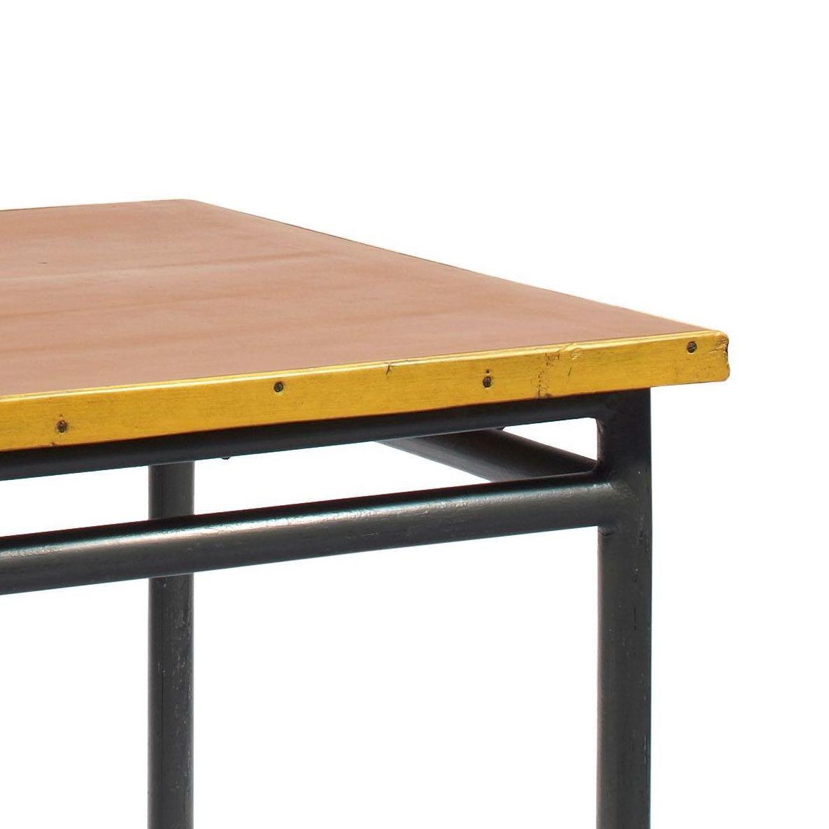 LE-CORBUSIER-Table-detail